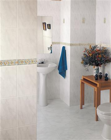 Boreal Marble Tiel With Accent Tile And Border From Tesoro
