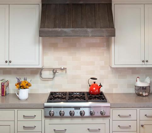 Full Wall Crema Marfil Backsplash (by Artistic Designs For Living, Tineke Triggs)