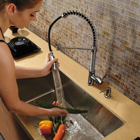 Pull Out Professional Kitchen Faucet From Vigo Industries