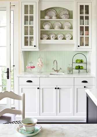 Even A Small Amount Of Dark Colored Cabinet Hardware Can Perk Up Your White Cabinets, Making Them More Dramatic And Visually Interesting (by Martha O'Hara Interiors)