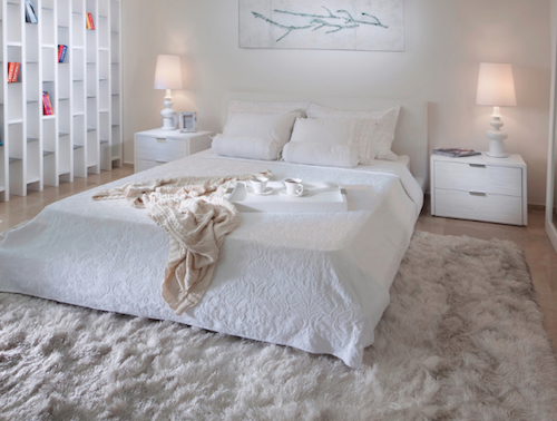 Pile rugs are classic and feel great between the toes! (by Elad Gonen)