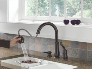 Delta 978-WE-DST Single Handle Kitchen Faucet with Pull-Out Spray, Diamond Seal Technology and Magnatite Docking from the Leland Collection