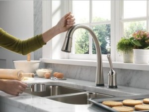 Delta 980T-DST Single Handle Kitchen Faucet with Pull-Out Spray, Touch 20, Diamond Seal Technology and Magnatite Docking from the Pilar Collection