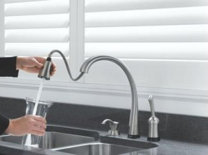 Delta 980T-SS-DST Pilar Single Handle Pull-Down Kitchen Faucet with Touch Technology