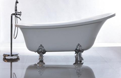 Clawfoot tubs pros and cons for your bathroom remodel for Acrylic bathtubs pros and cons