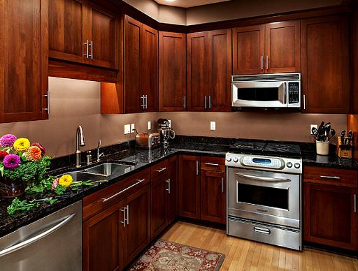 Cherry Shaker Style Kitchen Cabinets (by CliqStudios Cabinets )