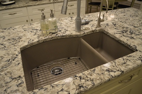 Trendy alternatives to a traditional granite kitchen for Engineered quartz countertops
