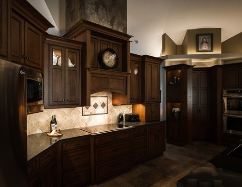 When the rest of your lights are on, under cabinet lights keep your whole room illuminated; when the other lights are off, they highlight the architectural features of the space